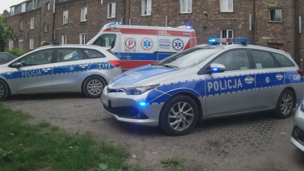 Atak zkonfliktem sąsiedzkim w tle. 28-latka podejrzana o próbę zabójstwa