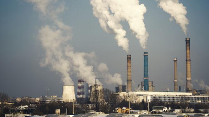 """Emisja CO2 wciąż rośnie. """"Podsycamy ogień, mając środki do jego gaszenia"""""""